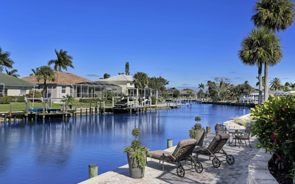 772 Saturn Ct, Marco Island - Home For Sale 67915528