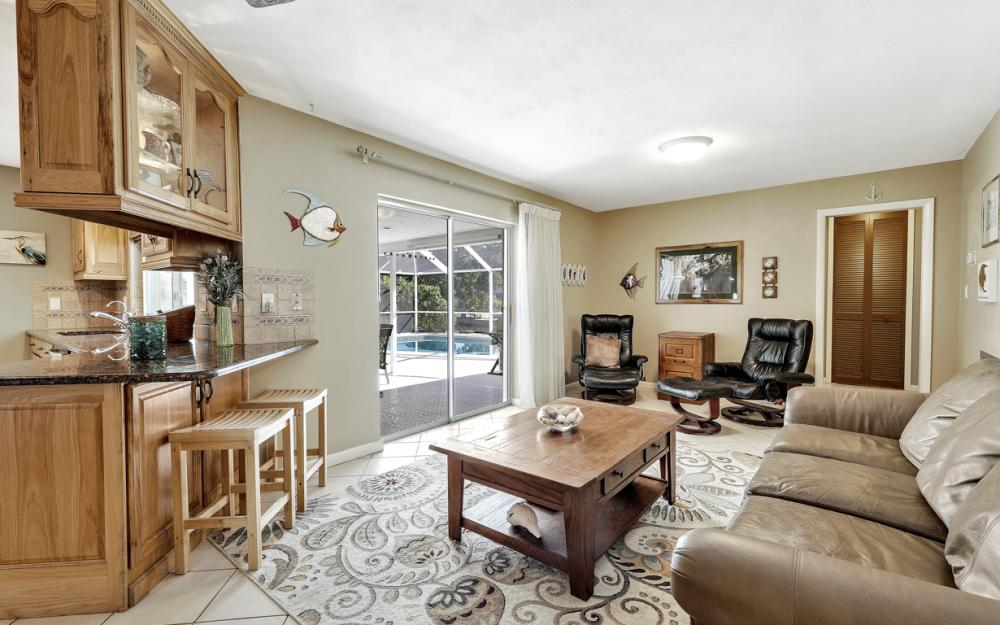2004 Cornwallis Pkwy, Cape Coral - Home For Sale 28981875