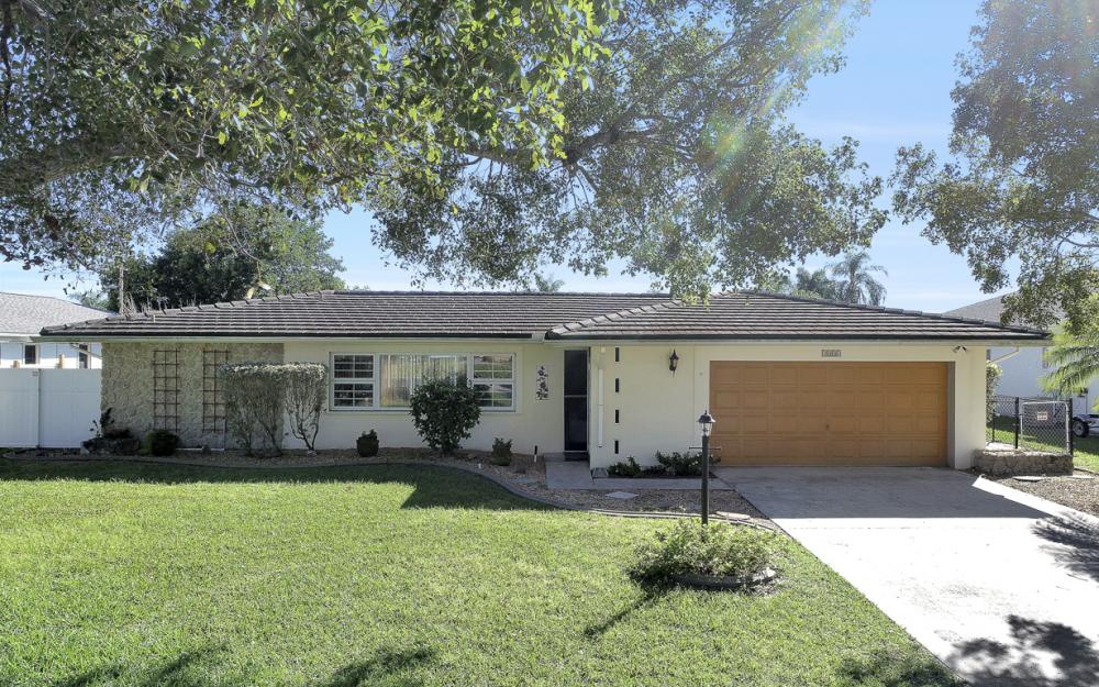 2004 Cornwallis Pkwy, Cape Coral - Home For Sale 1198455809