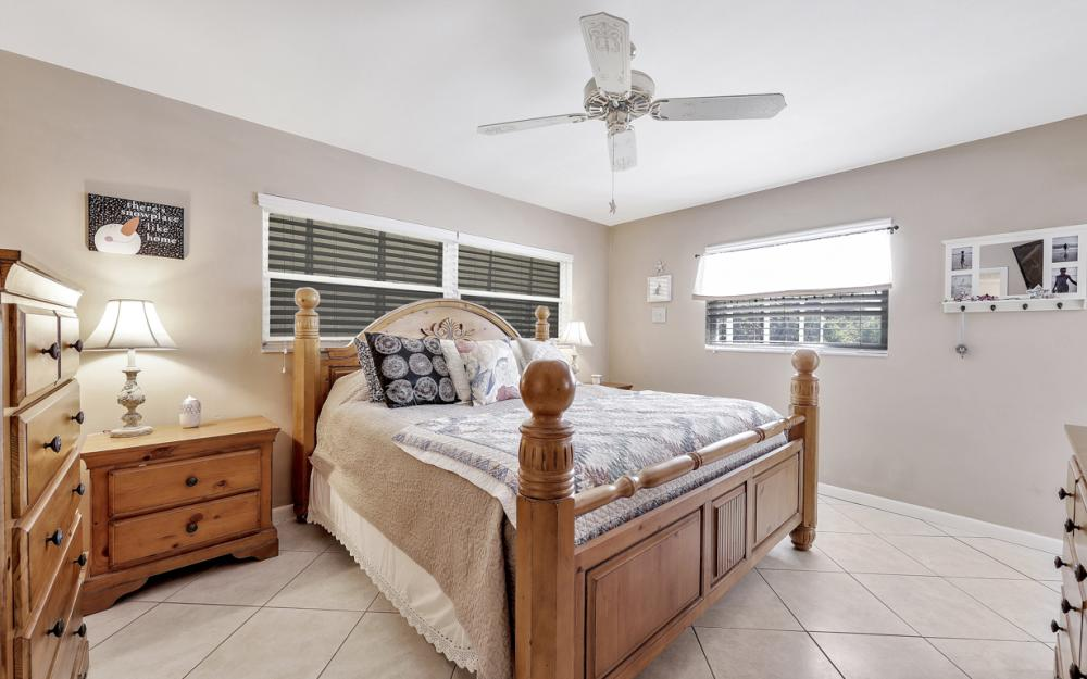 2004 Cornwallis Pkwy, Cape Coral - Home For Sale 194058674