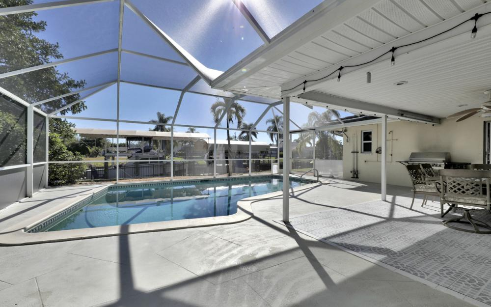 2004 Cornwallis Pkwy, Cape Coral - Home For Sale 1441464752