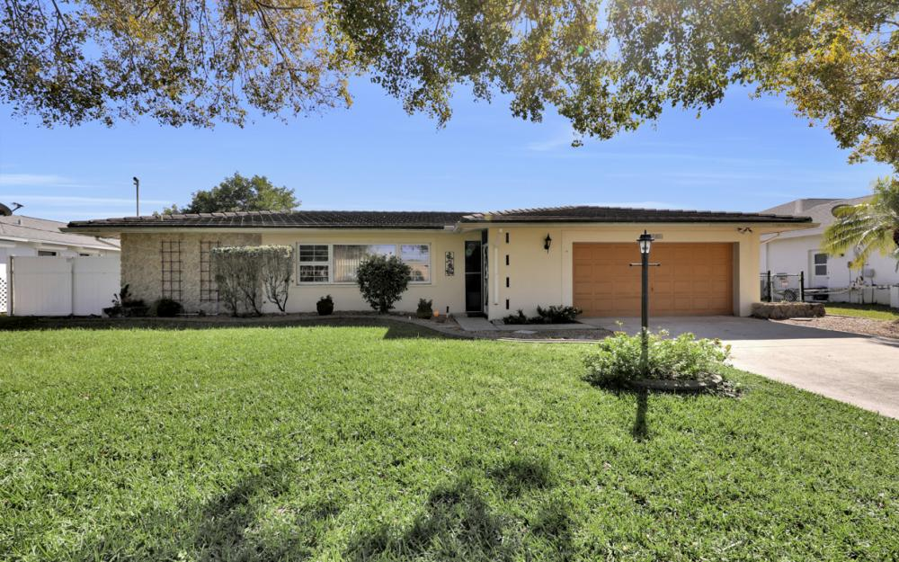2004 Cornwallis Pkwy, Cape Coral - Home For Sale 1245232958