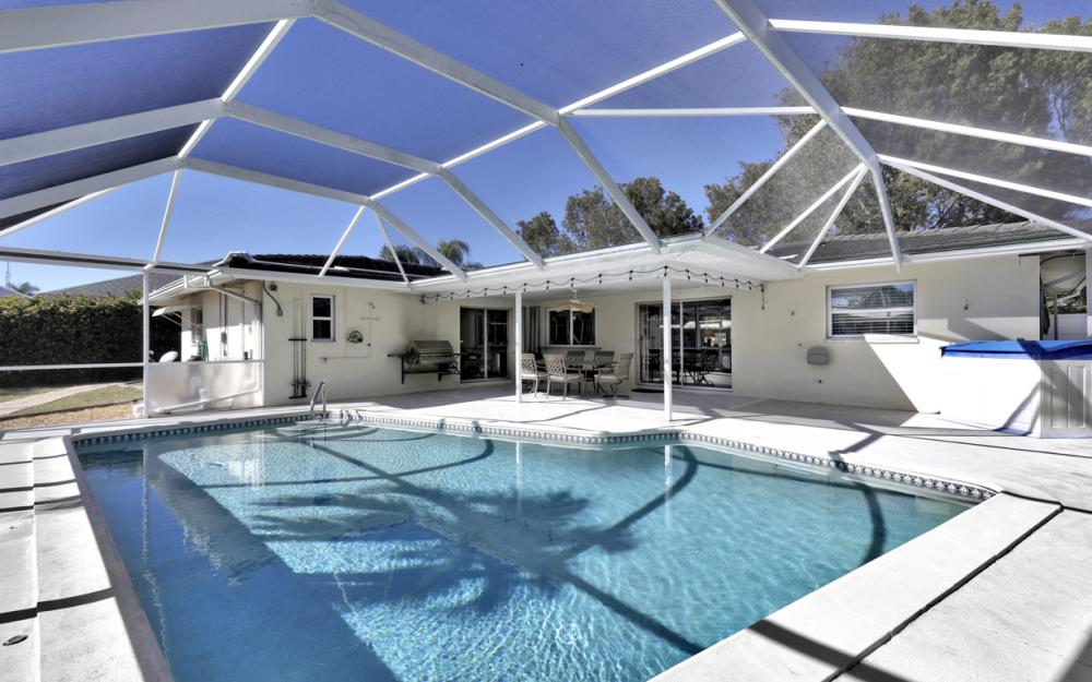2004 Cornwallis Pkwy, Cape Coral - Home For Sale 1698805935
