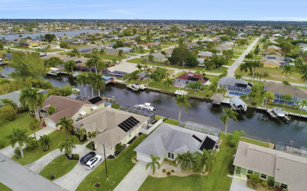 4529 SW 13th Ave Cape Coral - Home For Sale 566066322