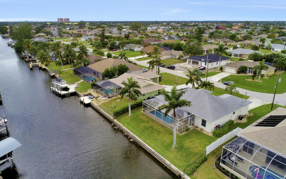 4529 SW 13th Ave Cape Coral - Home For Sale 778102697