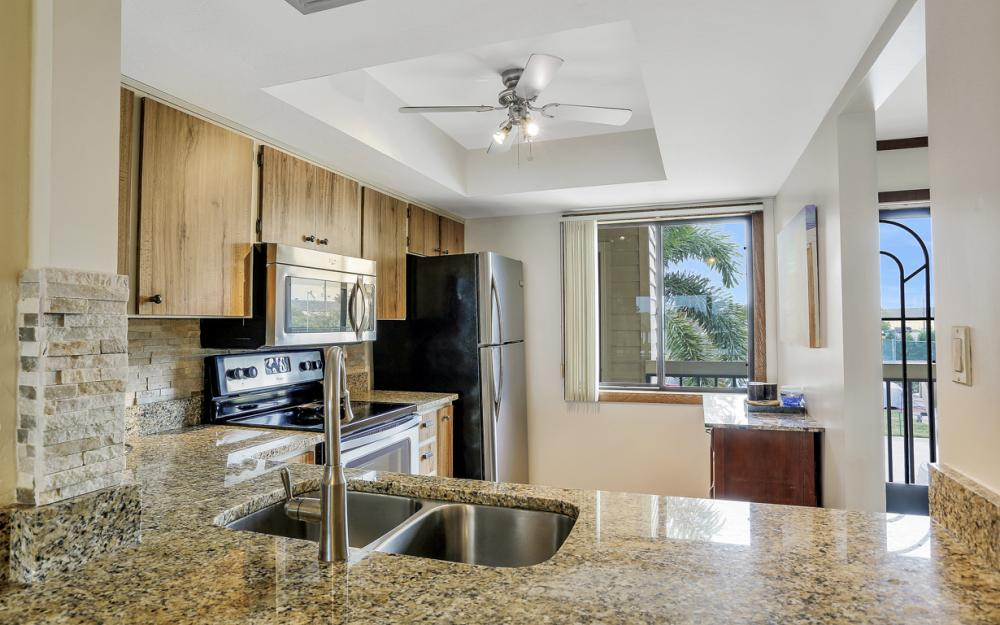 894 Buttonwood Dr #221, Ft Myers Beach - Condo For Sale 76004918