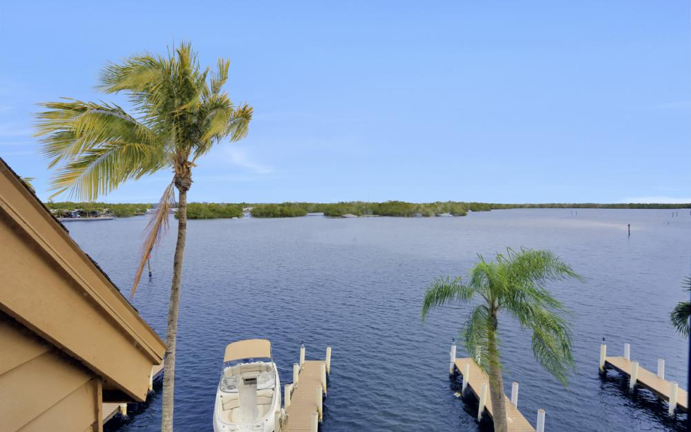 894 Buttonwood Dr #221, Ft Myers Beach - Condo For Sale 1456295566