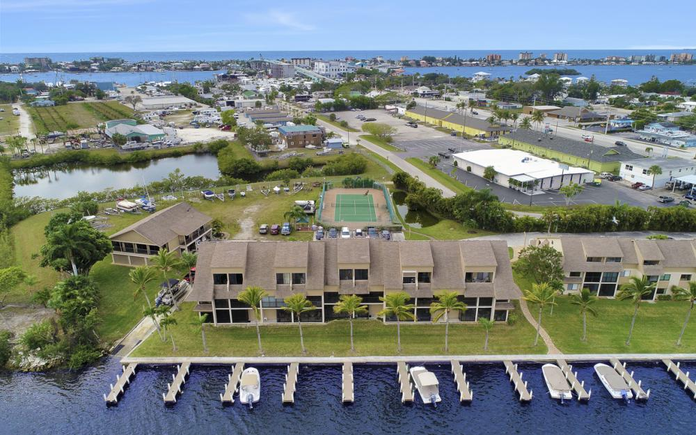 894 Buttonwood Dr #221, Ft Myers Beach - Condo For Sale 1487316310