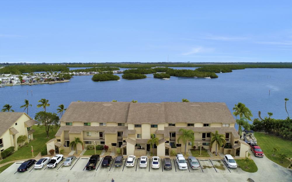 894 Buttonwood Dr #221, Ft Myers Beach - Condo For Sale 1784181381