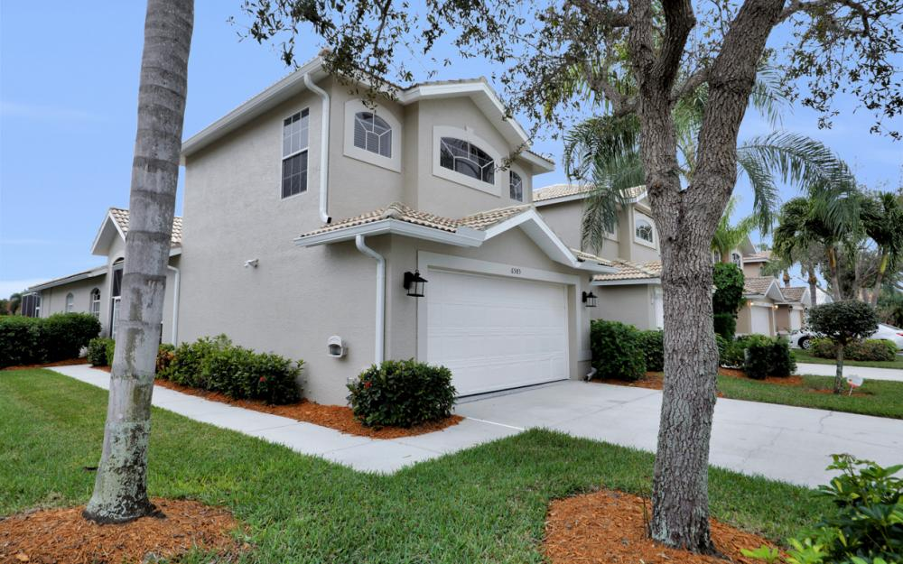 6585 Castlelawn Pl, Naples - Vacation Rental 205987384