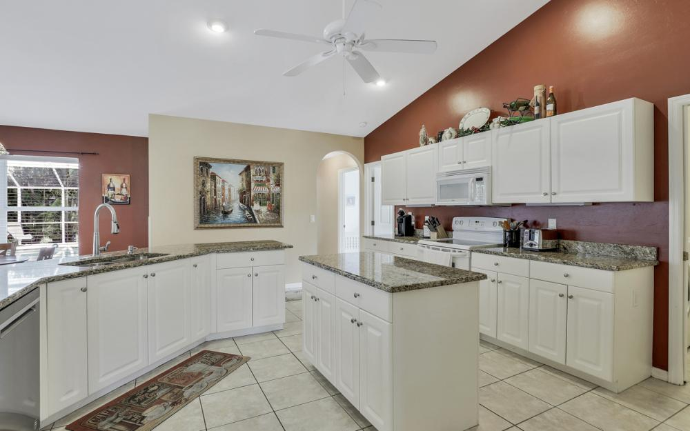 4417 Agualinda Blvd, Cape Coral - Home For Sale 950422287