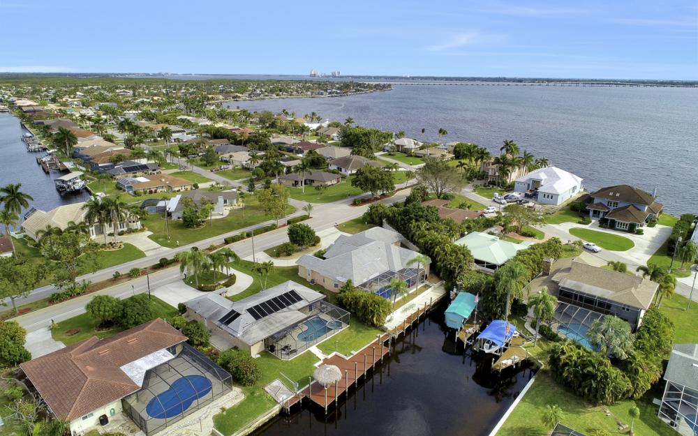2120 Cornwallis Parkway, Cape Coral - Home For Sale 827083072