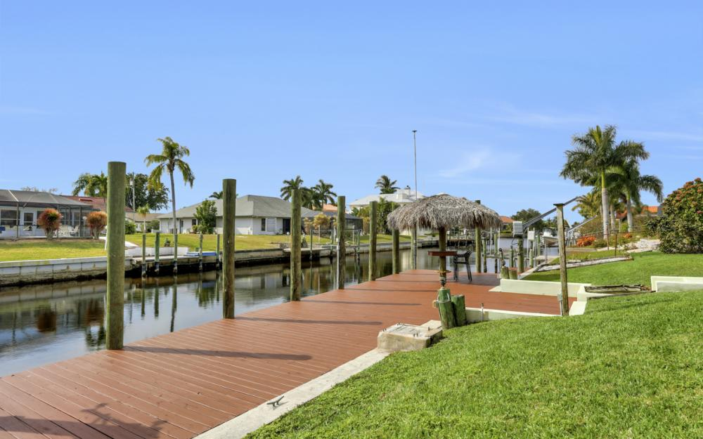 2120 Cornwallis Parkway, Cape Coral - Home For Sale 504926887