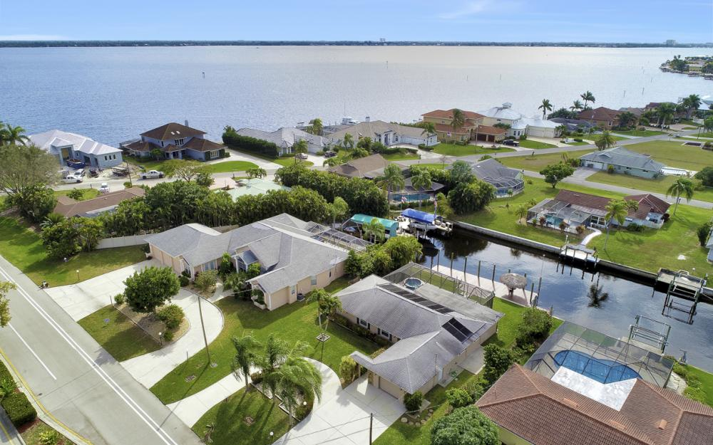 2120 Cornwallis Parkway, Cape Coral - Home For Sale 575635988