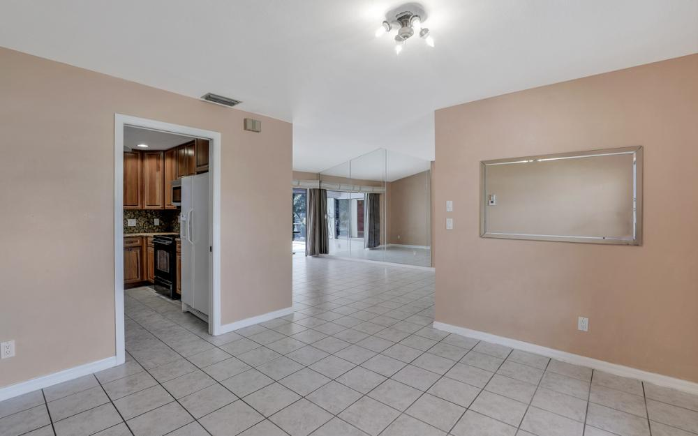 328 SE 21st Ave, Cape Coral - Home For Sale 1604654238