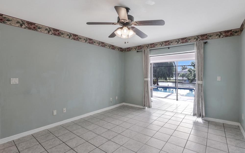 328 SE 21st Ave, Cape Coral - Home For Sale 1698356366