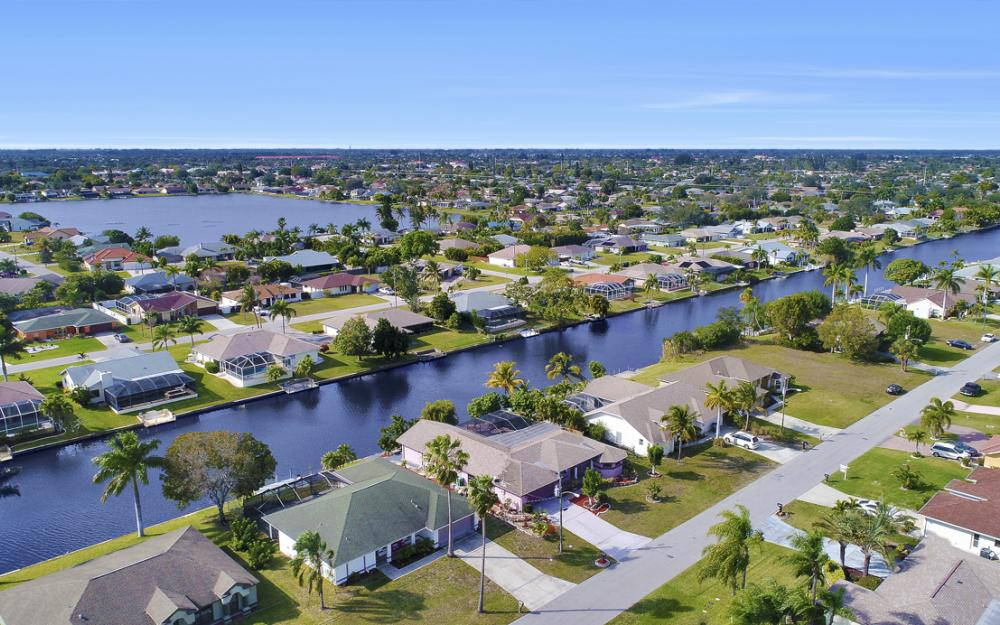 328 SE 21st Ave, Cape Coral - Home For Sale 1739425635