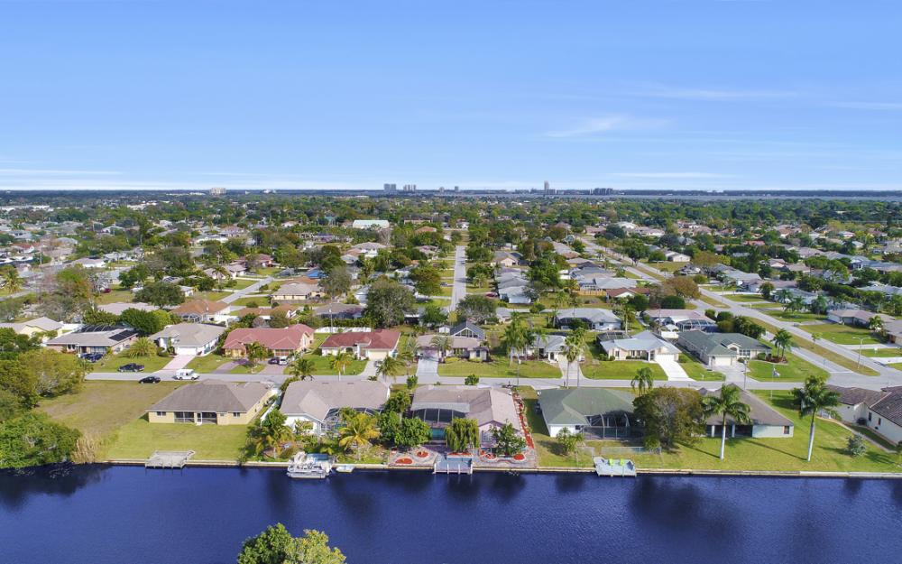 328 SE 21st Ave, Cape Coral - Home For Sale 1906787660