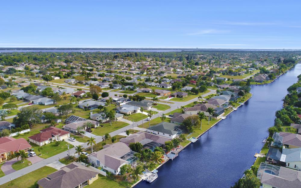 328 SE 21st Ave, Cape Coral - Home For Sale 1541347592