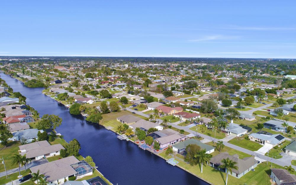 328 SE 21st Ave, Cape Coral - Home For Sale 1309624240