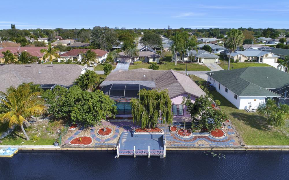 328 SE 21st Ave, Cape Coral - Home For Sale 1972132603