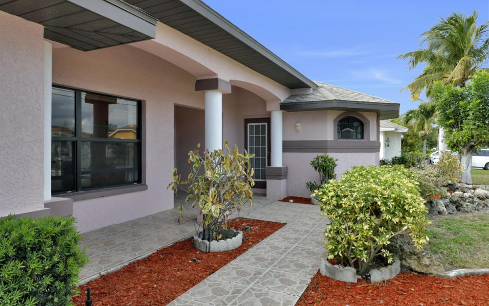 328 SE 21st Ave, Cape Coral - Home For Sale 1752904752