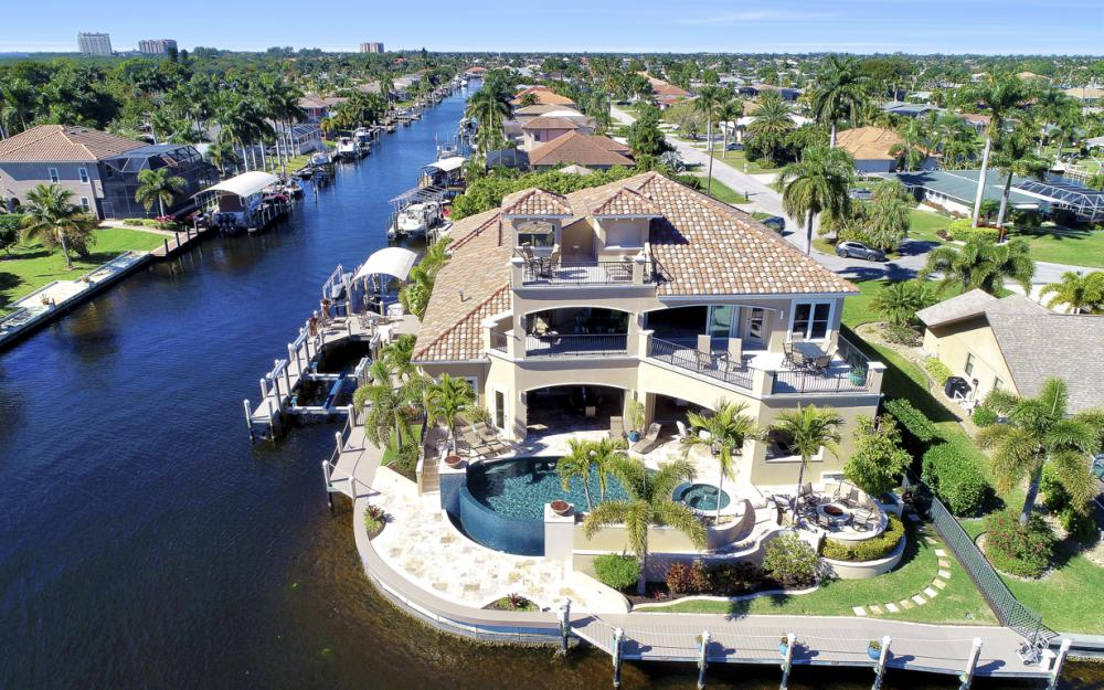 101 SW 54th Ter - Cape Coral - Luxury Home For Sale 138320365