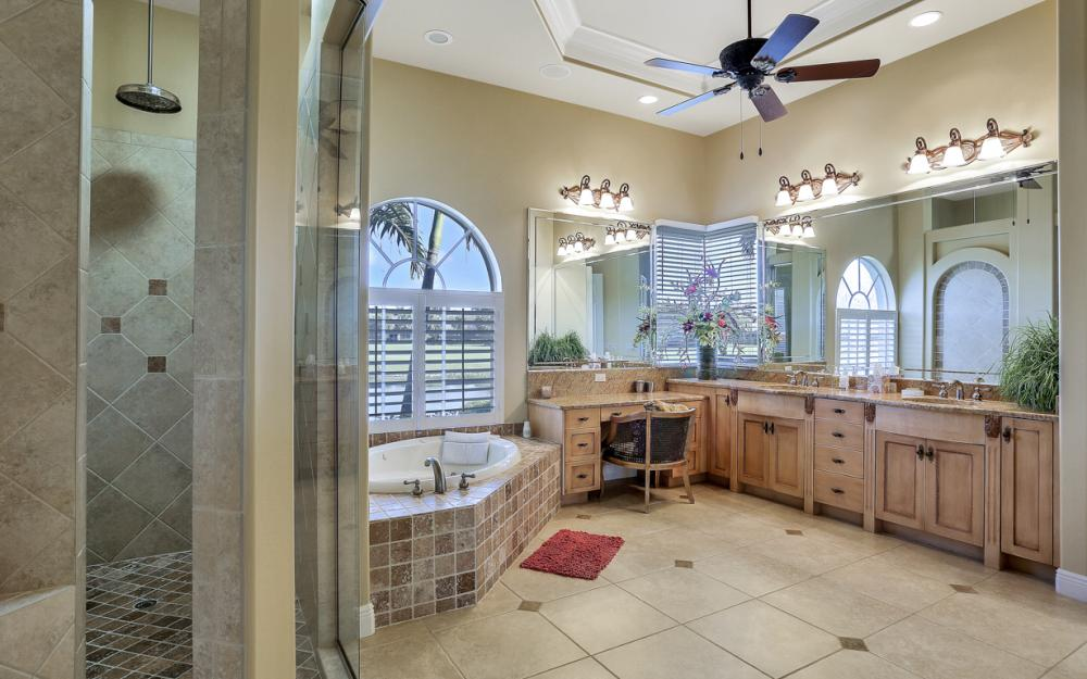 12561 Vittoria Way Fort Myers - Home For Sale 1747767030