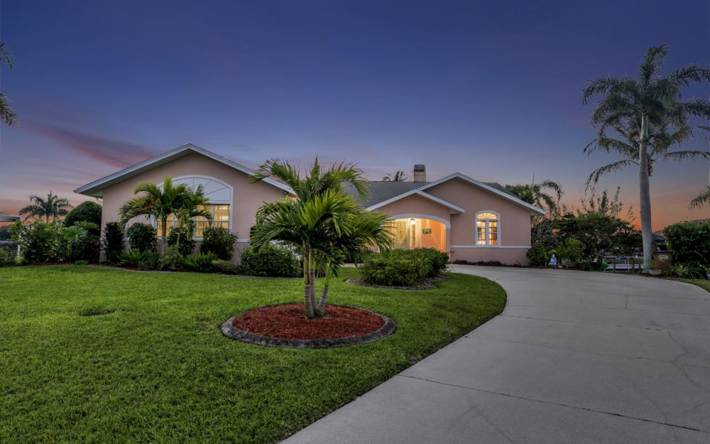 2802 SW 37th Ter - Cape Coral - Home For Sale 1117523864