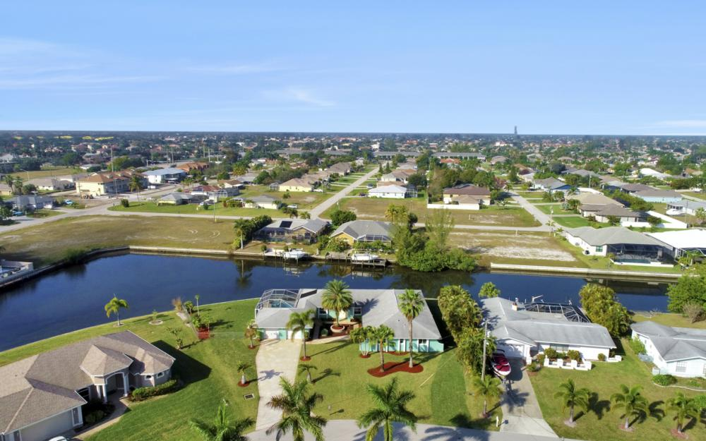 4628 SW 10th Ave, Cape Coral - Home For Sale 746394842