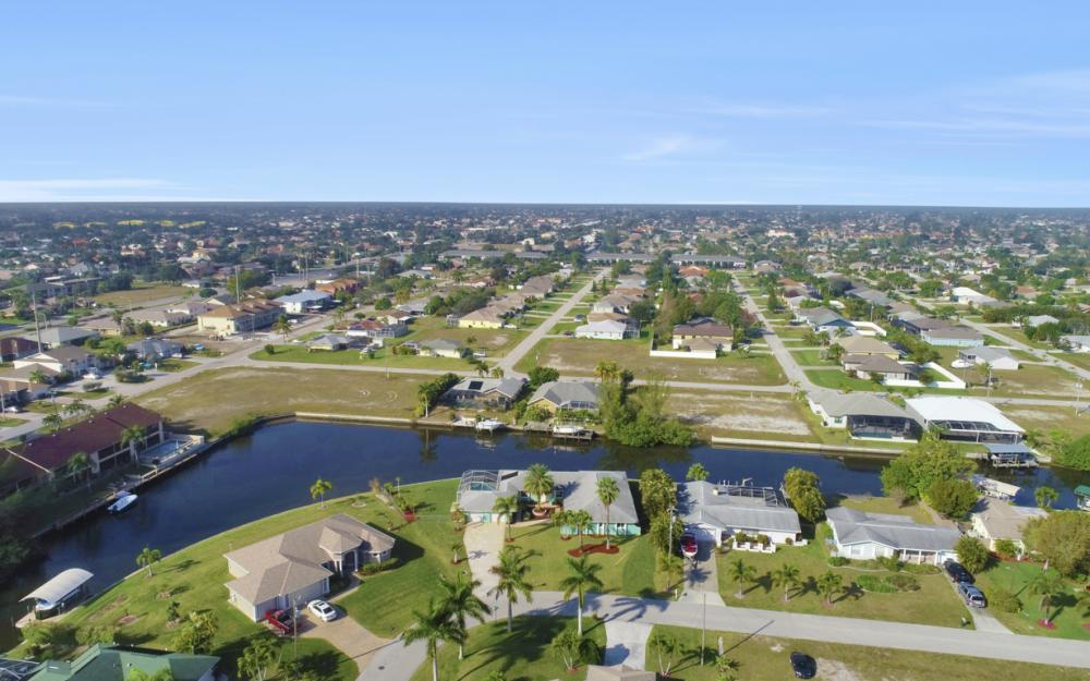 4628 SW 10th Ave, Cape Coral - Home For Sale 34037910