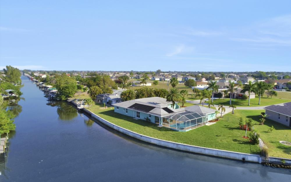 4628 SW 10th Ave, Cape Coral - Home For Sale 340470385
