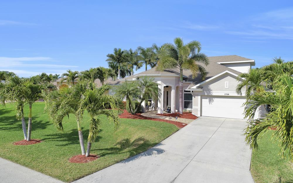 1709 SW 54th Ln, Cape Coral - Home For Sale 407646