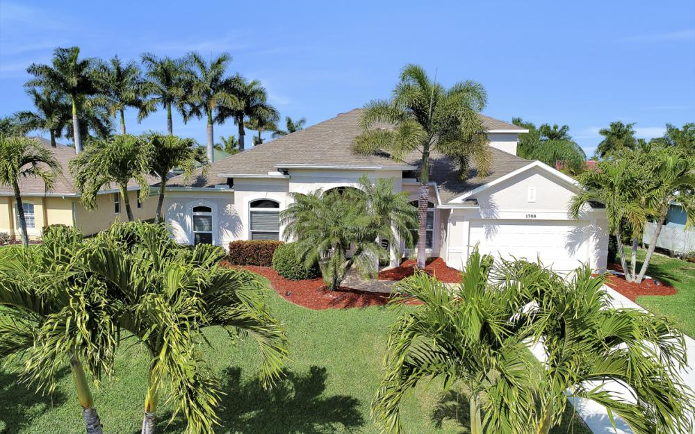 1709 SW 54th Ln, Cape Coral - Home For Sale 1890356147