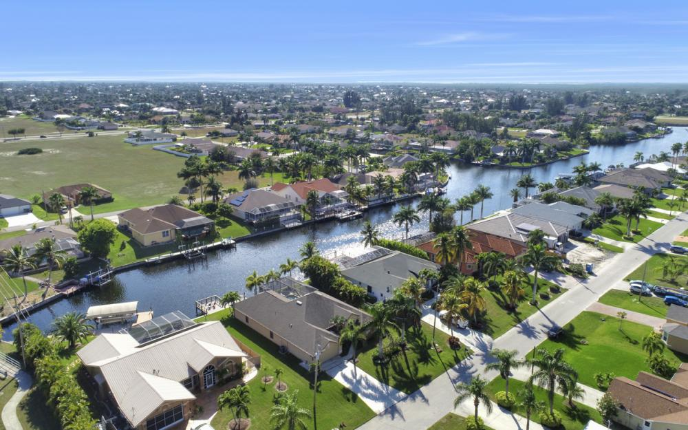 2104 SW 40th Terrace, Cape Coral - Home For Sale 256847953
