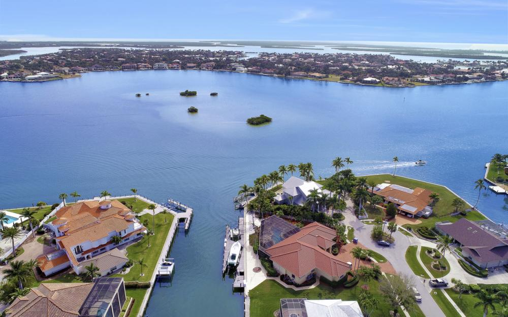 571 Conover Ct, Marco Island - Home For Sale 1014039120