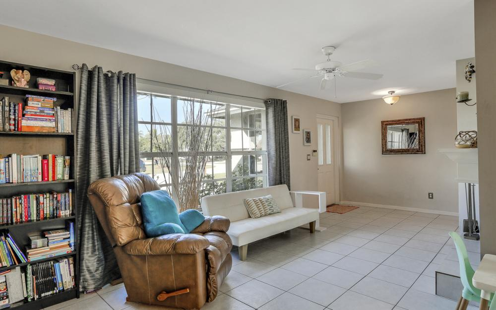 19541 Oak Forest Dr, Fort Myers - Home For Sale 1228814373