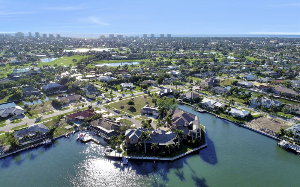 511 Antilles Ct, Marco Island - Home For Sale 911698638