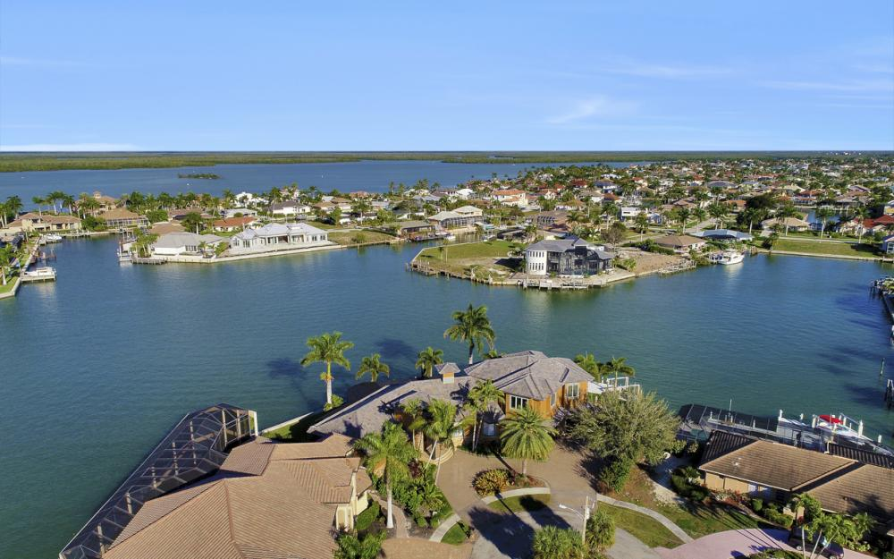 511 Antilles Ct, Marco Island - Home For Sale 626387068