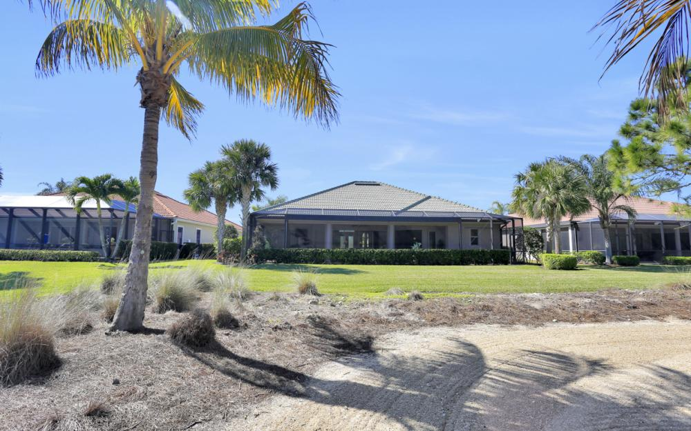 12831 Kingsmill Way, Fort Myers - Home For Sale 55620240
