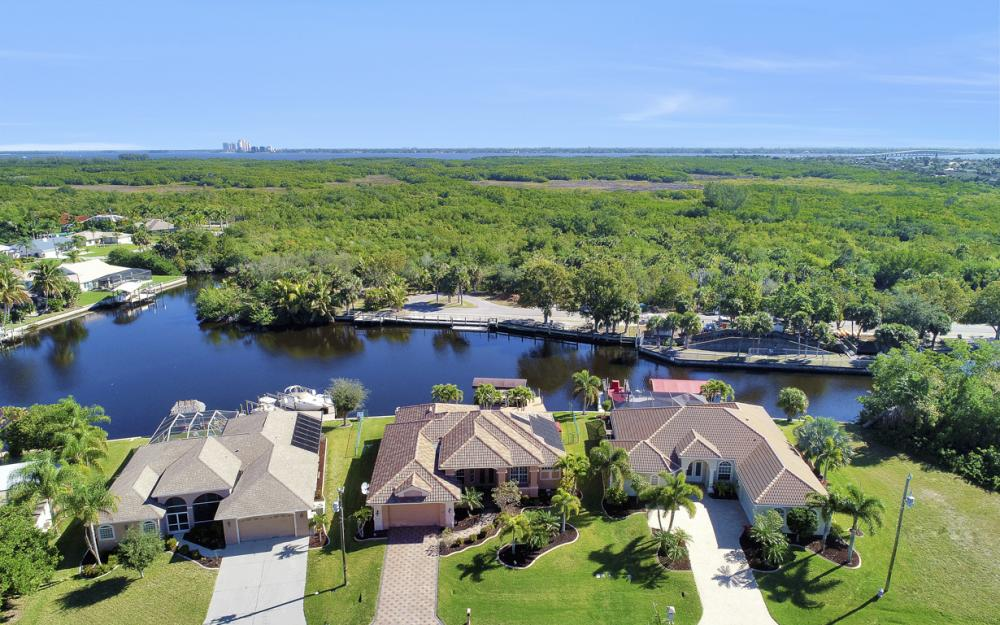 2207 SE 20th Pl, Cape Coral - Home For Sale 819705789