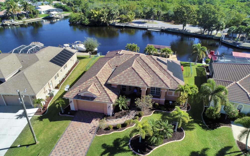 2207 SE 20th Pl, Cape Coral - Home For Sale 1149544805