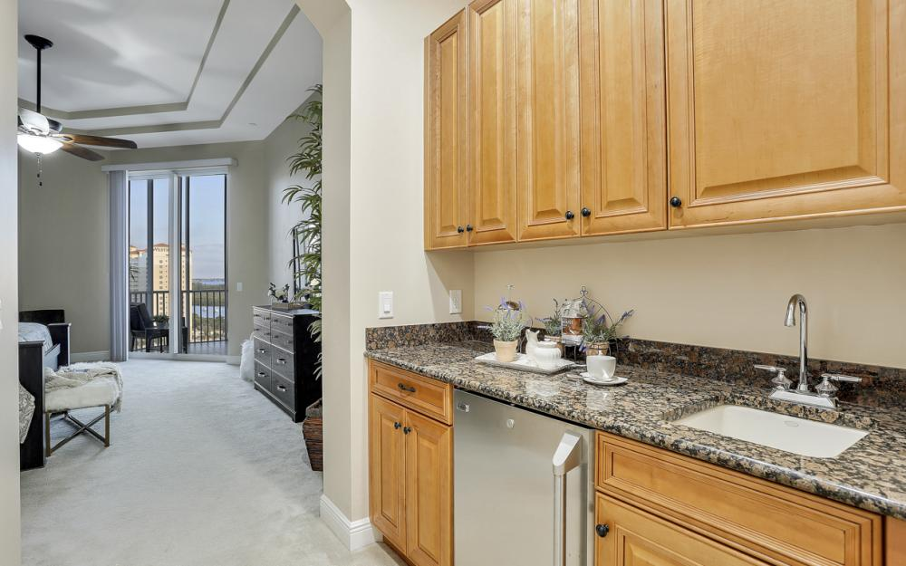 6081 Silver King Blvd PH# 1202, Cape Coral - Penthouse For Sale 271631750