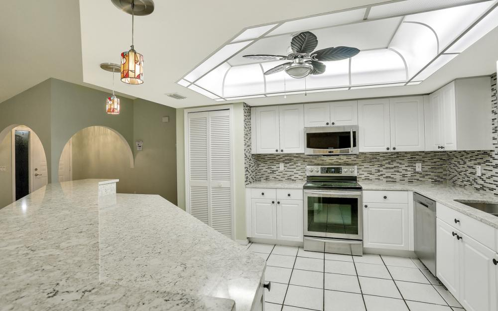 1322 SE 21st Ave, Cape Coral - Home For Sale 52647652