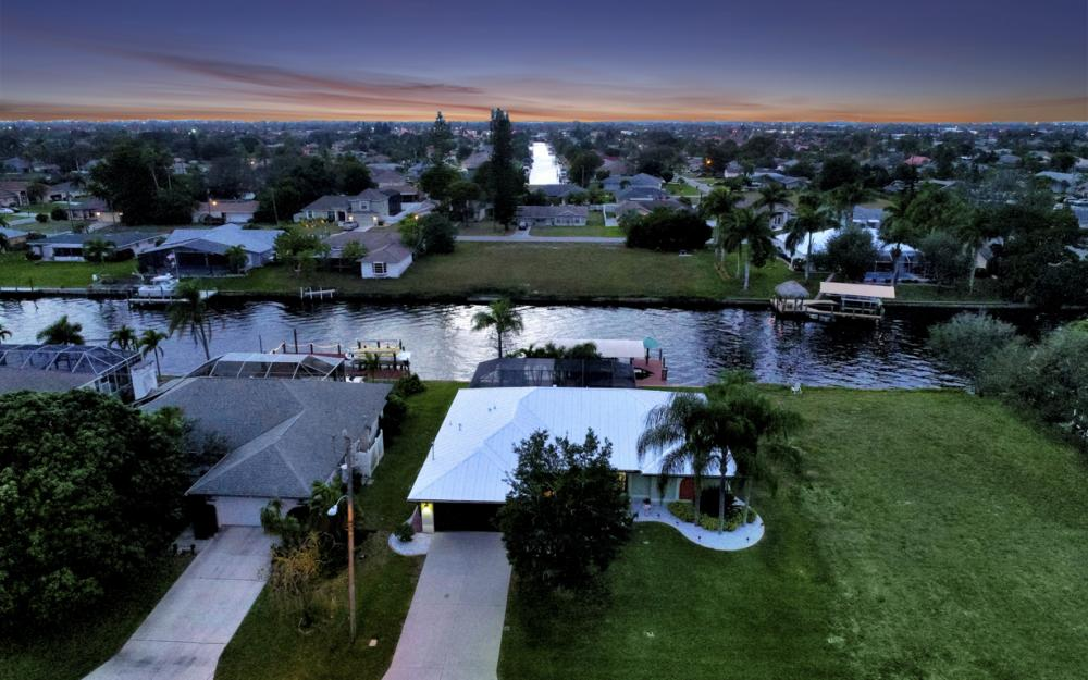 1322 SE 21st Ave, Cape Coral - Home For Sale 301530881