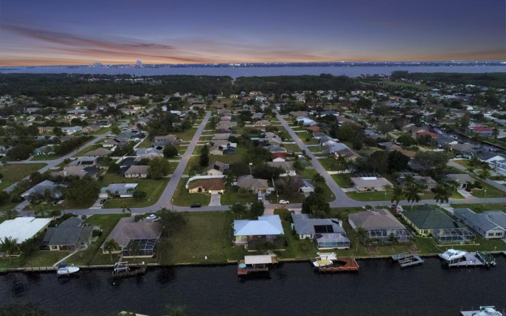 1322 SE 21st Ave, Cape Coral - Home For Sale 1208582411