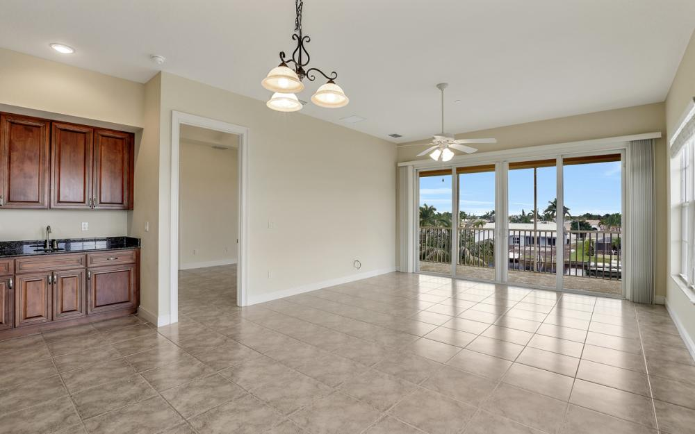 1713 Beach Pkwy #303, Cape Coral - Condo For Sale 1159078896