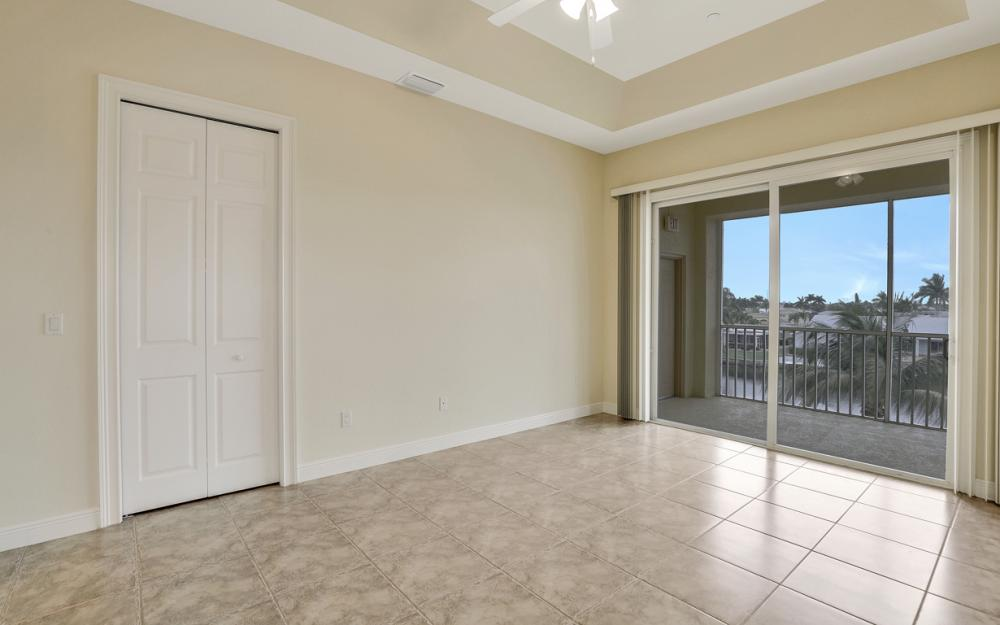 1713 Beach Pkwy #303, Cape Coral - Condo For Sale 69062439