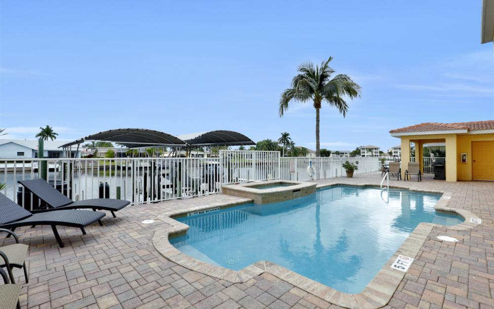 1713 Beach Pkwy #303, Cape Coral - Condo For Sale 677425193