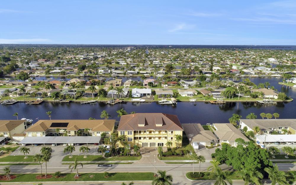 1713 Beach Pkwy #303, Cape Coral - Condo For Sale 1078115176